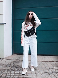 Frankie Miles - Topshop Longsleeve, Adidas Bumbag, River Island Flared Cropped Jeans, Converse Chuck Sneaker - Bonjour