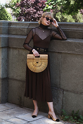 Ana Vukosavljevic - H&M Dress, Cult Gaia Bag, Shoes Of Prey, Gucci Sunglasses, Vintage Belt, Giant Vintage Turtleneck - How To Style A Slip Dress?