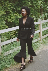 Enny Odeniyi - Bershka Black Sandals, Zara Flared Trousers, Zara Black Blazer, Zara Clear Belt - Nice for what