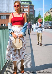 Kintan T - Zara Retro Glasses, New Look Crop Top, Promod Jeans Jacket, H&M Pleated Skirt, H&M Summer Boho Crossbody Bag, Deichmann Fringe Heels - CROP TOP AND PLEATED SKIRT FOR AN EARLY SUMMER