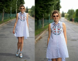 Kamila Krawczyk - Zara Dress, Deezee Shoes, Chanel Sunglasses - Floral summer dress