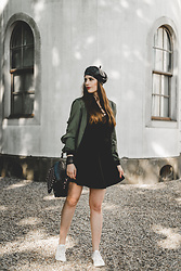 Andrea Funk / andysparkles.de - Missguided Bomber Jacket - Leather Hat and Bomber Jacket