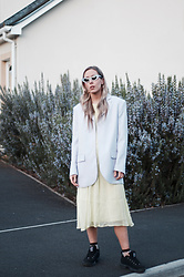 Daniella Robins - Marks & Spencer Blazer, Black Eyewear Sunglasses - The Colours Of Spring