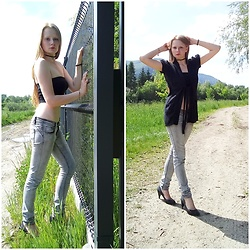 Mrs Katarina - Promod Black Sweater, Fresh Made Grey Jeans, Bon'a Parte Black High Hells - Discover the tummy.
