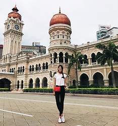 Nora Aradi - Charles & Keith Bag, Puma Sneakers, Zara Pants, H&M Shirt - Tourist for a day
