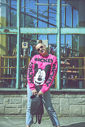 Agata Nika - Sinsay Neon Sweatshirt, Levi's® Levis Jeans, Primark Backpack - Have you called me Mickey?