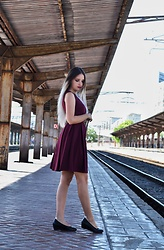 Raluca M - Deichmann Black Flats, Zara Purple Dress - Classy look for a walk