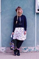 Elisa Bochicchio - Bershka Sweater, Only Skirt, Calzedonia Tights - Spirit
