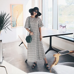 Rekay Style - Helen Kaminski Raffia Hat, Zara Check Midi Dress, Zara Cross Bag - Summer Check