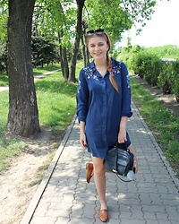Aleksandra Siara - Missguided Dress, Massimo Dutti Shoes - Denim dress