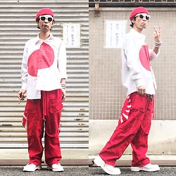 @KiD - Ca4la Red Beret, Anti Crust Works Rising Sun Shirts, Code Red Wide Pants, Dr. Martens White 8 Hole, Nonsensical Leather Sid Bracelet, Vintage Rising Sun Bandanna - JapaneseTrash393
