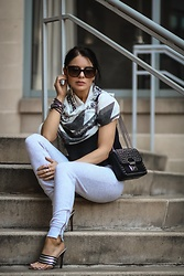 Isabel Alexander - American Eagle Outfitters Grey Joggers, Michael Kors Black Studded Bag, H&M White Geometric Scarf - Athleisure Style for Play