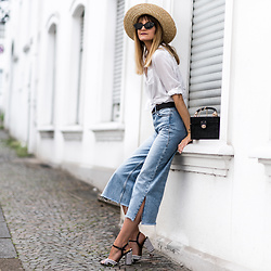 Catherine V. - H&M Straw Hat, Zara White Shirt, Zara Jeans, Zara Starw Bag, Sacha Heels - WIDE LEG JEANS AND PRETTY HEELS FOR SPRING