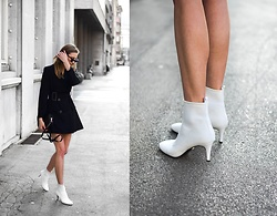 Katarina Vidd - All On My Blog - Perfect white boots