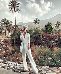 Da Li - Missguided Blazer, Missguided Pants - White East