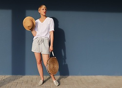 Sabine K - Hallhuber Hat, Heine Mules - EASY BREAZY SUMMER LOOK