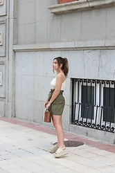 Claudia Villanueva - Zara Top, Bershka Skirt, Zara Bag, Zara Sandals - Urban Safari