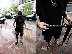 INWON LEE - Byther Sword Umbrella Black, Byther Skull Metallic Chain, Byther Removeable Tattoos, Byther Multi Pocket Shorts - It's an Umbrella. Don't worry.