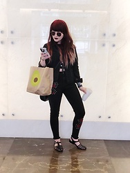 Samantha Elise - Forever 21 Rose Embroidered Jeans, Denim Jacket, Jelly Sandals, Black Sunnies - California Tortilla bag but make it fashion