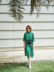 Irinka Andreeva - Vans Sneakers, Monki Dress - Green Grass