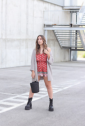 Claudia Villanueva - Sfera Cardigan, Shein Playsuit, Shein Bag, Un Paso Mas Boots - Long life to playsuits