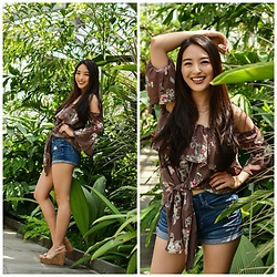 Kimberly Kong - Bellanblue Off The Shoulder Top, Aeropostale High Waisted Denim Shorts - The Off-The-Shoulder Top You Need this Summer
