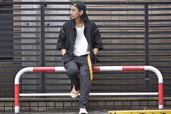 Hideki. Mn - Syu.Homme/Femm 自己満 Cap, Bukht Work Shirts, Roundabout Nylon Tank Top, Roundabout Nylon Slim Easy Pants, Pras Shell Cap Color Low Gold - Japanese fashion 79