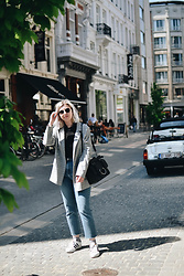 Elizabeth Claire - Topshop Grey Plaid Blazer, Boohoo Black Rollneck, Topshop Straight Leg Jeans, Target Black Ring Bag, Adidas Superstars - Antwerpen