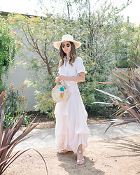 Elizabeth Lee (Stylewich) - Nomah Project Hat, Nomah Project Sol Bag, Ancient Greek Sandals X Fabrizio Viti Sheila - Summer