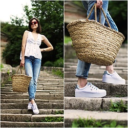 Marijana M - H&M Straw Bag, Tommy Hilfiger White Platform Sneakers, Sinsay Boyfriend Jeans, Sinsay Polka Dot Shirt, Sinsay Red Sunglasses - Sinsay people
