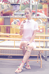 Aevoulette Benssalconia - Fashion Nova Pastel Dress, Safran Gladiator Sandals, Gaga Fashion Glasses - Take me to Neverland