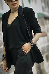 Isabel Alexander -  - All Black Polished Athleisure Outfit