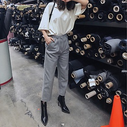 Sunme Oh - Acne Studios Pants, Alexander Wang Shoes - Edgy minimalist
