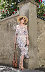 Liuba Kvitka - Mango Dress, Tommy Hilfiger Shoes, Fillippo Catarzi Hat - Resort lady
