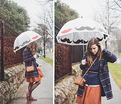 Eleonora Pellini - Michael Kors Shoulder Mini Bag, Yoins Tartan Coat, Uniqlo Skirt - Kisses from College