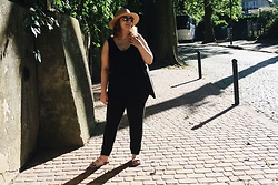 Anna Kaszubowska - New Look Top, Dorothy Perkins Comfy, Primark Pink Sandals, Parfois Summer Hat - Black is my happy colour