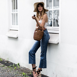 Catherine V. - Asos Floppy Hat, Pretty Little Things Square Neckline Body, Topshop Flare Cropped Jeans, Pimkie Wedge Espadrilles, Hers Wave Straw Bag - FLOPPY HAT AND SQUARE NECKLINE
