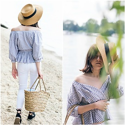 Marijana M - Vipshop Blouse, Zara White Skinny Jeans, Deichmann Black Espadrilles, H&M Straw Hat, H&M Straw Bag - On the beach