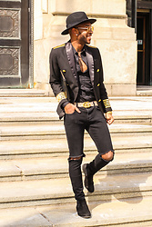 Kris Hilton - Peng Bei Streetwear Blazer, Gucci Belt, H&M Ripped Skinny Jeans, H&M Chelsea Boots - In The City
