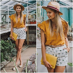 Madara L - Shein Polka Dot Blouse, Zara Palm Print Shorts, Bright Yellow Bag, H&M Espadrilles - Palms and polka dots