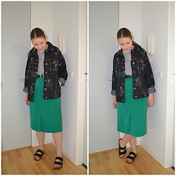 Mucha Lucha - H&M Denim Jacket, Weekday T Shirt, Second Hand Skirt, Vrs Sandals - Too hot for a jacket