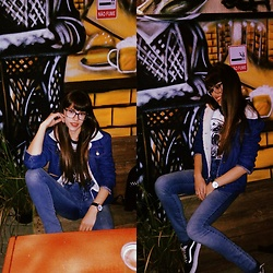Valéria Przysbeczyski - Aliexpress Jacket, Quill's Jeans High Waist, Hs Merch Tshirt, Vans Old School - Fries Before Guys