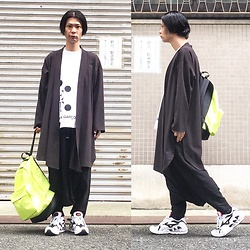 @KiD - Monochrome Kimono Cardigan, Comme Des Garçons The Met, Monochrome Penguin Pants, Mizuno Wave Rider 01 Og, Obey Neon Bag - JapaneseTrash412