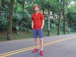 FL JU - Asos Boater, River Island Shirts, Gap Shorts, Polo Ralph Lauren Snrakers - UK , color