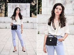 Jelena Dimić - United Colors Of Benetton White Shirt, Elcy Clothing By Lauren Crowe Kendall Leo Bralette, Zaful Layered Necklace, Zara Black Minaudière Bag, Shein Diy High Waist Jeans, Zara Low Heel Shoes - I wanna hold you when I'm not supposed to