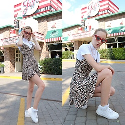 Patrycja Kołosowska - Bershka Lampard Dress, Nike Air Force, Missguided Barbie Top, Bershka Cat Eye - Urban Jungle