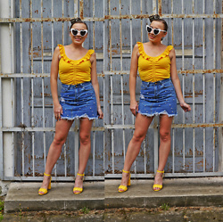 Karina Małecka -  - Yellow and denim