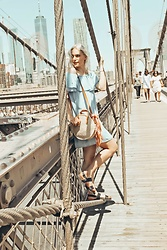 Saule S - Zara Off The Shoulder Denim Dress, Primark Black Sandals, H&M Round Straw Bag, Primark Scarf - Brooklyn bridge walk // IG:@saule.es