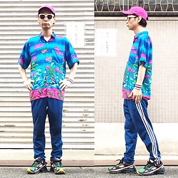 @KiD - Magic Shocking Pink Cap, Vintage Crazy Beach Shirts, Adidas Blue Jersey, Adidas Raf Simons - JapaneseTrash415