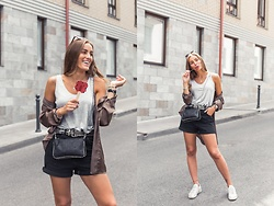 Aiste Mondayjazz - H&M Top, Bik Bok Shirt, Zara Clutch, Zara Shorts, Reebok Sneakers - OOTD: hot summer days in the city